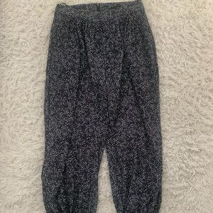 bourgeois-bohème pants with ankle ties